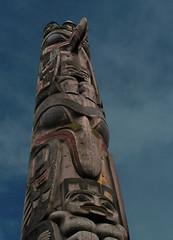 Looking up at a totem pole (gdraskoy) Tags: vancouver bc ubc totempole museumofanthropology excapture