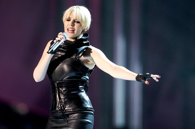 Kylie Minogue canta en el Nobel