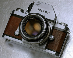 F photomic (tropicalrips) Tags: leather nikon f photomic newskin