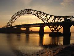 Runcorn bridge (Mr Grimesdale) Tags: sony mersey runcorn widnes halton rivermersey runcornbridge mrgrimsdale stevewallace dsch2 europeancapitalofculture2008 photofaceoffwinner pfogold mrgrimesdale grimesdale