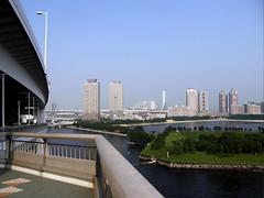 east end of Rainbow Bridge #7160 (Nemo's great uncle) Tags: odaiba rainbowbridge