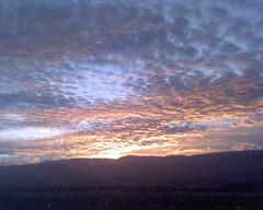 DSC00234 (xochiphoto) Tags: cielo nubes celular telefono