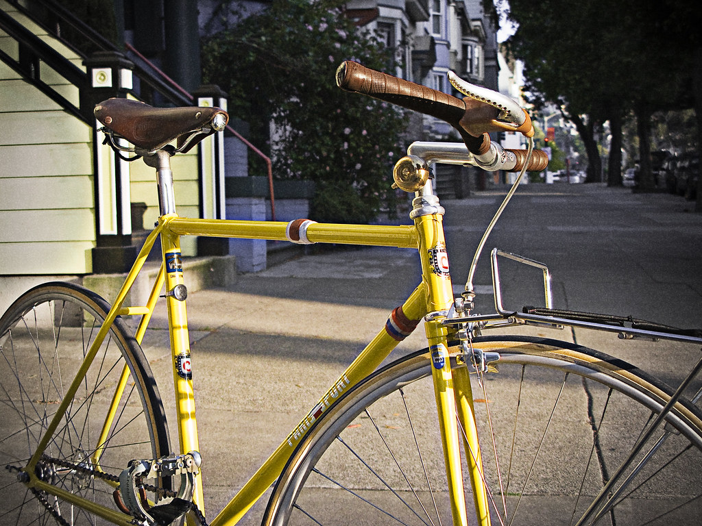 Paris Sport Tack Bike