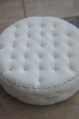 "Round pouf 1:4 ""Royal white"" (JuliaGart) Tags: furniture for furnitureforthesybarite order numina kd superfrock pouf 14 julia juliagart gartung"