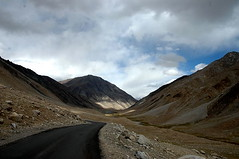 Wohoooo (~FreeBirD~) Tags: road travel wild brown india mountains clouds wonderful landscape amazing nikon d70 altitude shades traveller deal himalayas cloudporn onelife motorcyclediary highmountains travelstories motoadventure naturalnature indianlandscape manibabbar 15000ft motorcyclejourneys