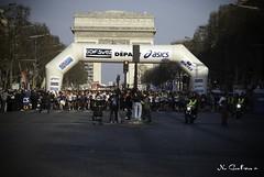 Marathon de Paris 2010 (N.Calzas) Tags: paris france sport geotagged nikon marathon meeting running run course event marathondeparis evenement rassemblement 200d calzas nikon200d