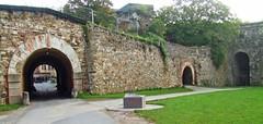 Festung Ehrenbreitstein, Koblenz (bill barber) Tags: rain stone architecture germany deutschland bill arquitectura sandstone arch walk pierre willi