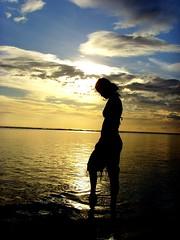 Lady in the Water (ERIC OEBANDA) Tags: sunset fab philippines pinay breathtaking pinoy happydays pilipinas ih themoulinrouge wowphilippines 35faves abigfave pinoycentric diamondclassphotographer philippinesbeach oebanda micarttttworldphotographyawards micartttt