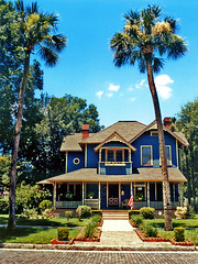 Higgins House and palm trees, Sanford, Florida (StevenM_61) Tags: usa house architecture florida victorian 1999 palmtrees bedandbreakfast sanford seminolecounty brickstreet