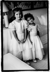 Rose and Tatiana (weissfoto) Tags: wedding children longisland event kennedy easthampton kennedyfamily jfkjr ericweissphoto princeanthonyradziwill carolradziwill rosekennedyschlossberg tatianakennedyschlossberg carolineandedwinschlossberg radziwillwedding grandchildrenofjohnfkennedy