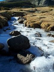 Invierno (La niña del bigote) Tags: españa agua invierno montaña hielo rocas loscotos laniñadelbigote