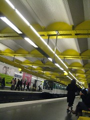 Pere Lachaise Station