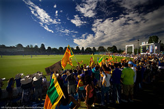 Manuka oval (NavindaK) Tags: sky india sports flag crowd flags cricket canberra srilanka fans spectators waving oval supporters onedayinternational manuka odi commonwealthbankseries srilankavsindia manulaoval