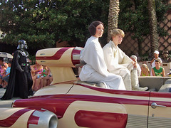 Darth Vader, Princess Leia and Luke Skywalker (meeko_) Tags: world cars stars star starwars princess florida luke disney parade entertainment princessleia darth hollywood jedi characters wars vader darthvader lukeskywalker waltdisneyworld studios walt villain mgm themepark disneymgmstudios leia echolake disneys disneycharacters starwarscharacters disneystarsandmotorcarsparade disneyshollywoodstudios slywalker disneyphotochallenge