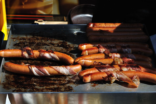 Hot Dogs on the streets of Bergen, Norway -- Full-sized Nikon D5000 photo -- DSC_2145