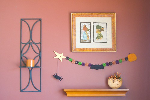 Felt and Yo-Yo Halloween Garland