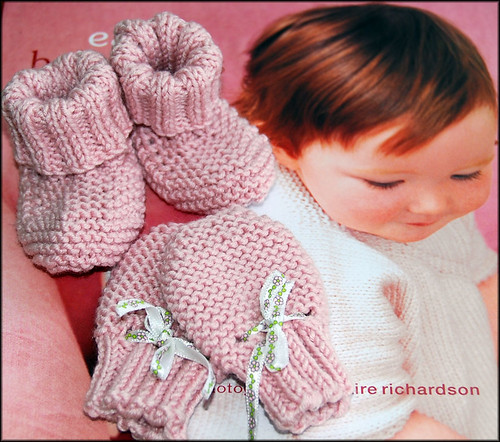Baby Mitts & Bootees 1