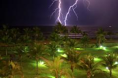Raio (Luiz Henrique Assuno) Tags: brazil storm praia beach night canon eos noturna noite lightning tempestade raio rivieradesoloureno 40d licassuncao