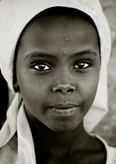 Cute girl, Danakil, Ethiopia (Eric Lafforgue) Tags: africa portrait people blackandwhite face vertical photography day child african culture tribal headshot females tradition ethiopia tribe ethnic adultsonly oneperson tribo confidence hornofafrica individuality ethnology ethiopian afar eastafrica thiopien etiopia ethiopie realpeople etiopa onewomanonly lookingatcamera  traveldestination danakil etiopija 1people pastoralist ethiopi 89years  onegirlonly etiopien etipia  etiyopya  mg0693   asaita  assayta