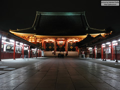 "Senso-ji 浅草寺 by night <a style=""margin-left:10px; font-size:0.8em;"" href=""http://www.flickr.com/photos/24828582@N00/2342161843/"" target=""_blank"">@flickr</a>"
