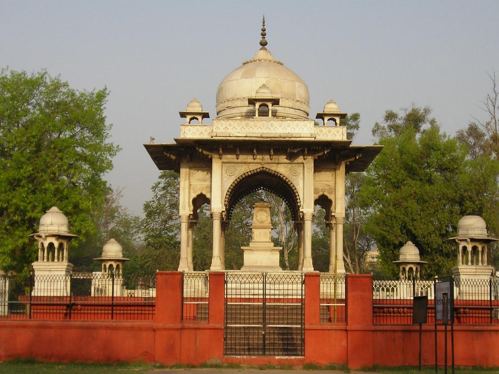 Victoria Memorial, Lucknow