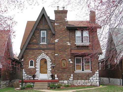 Dotage St Louis Tudor Revival Historic District
