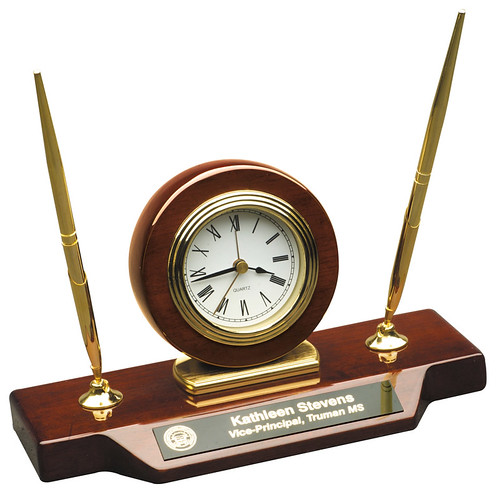 desktop pen and clock set personalized by Bux-Mont Awards