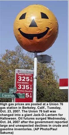 Berkeley 76 Station revives Halloween Tradition