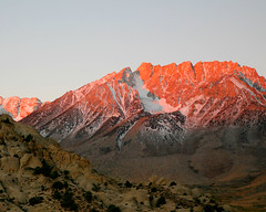 Dawn Alpenglow in the Sierra Nevada By Jitze1942 On Flickr CC