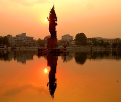 Baroda Shiva statue (jmanj) Tags: city sunset urban sculpture india statue religion cities shiva baroda urbanindia colourartaward