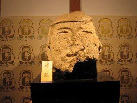 石光寺-弥勒石仏