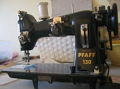 Vintage Pfaff Sewing Machine (backhomeagainvintage) Tags: vintage sewing machine pfaff backhomeagain