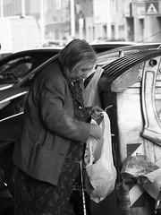 Forroghendi Forroghendi (nennixedda) Tags: sardegna donna sardinia sanbenedetto mercato cassonetto cagliari buste povert degrado pattumiera immondezza rovistare rovistatrice