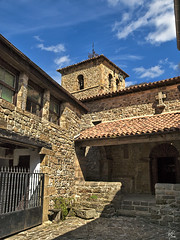 Brcena Mayor (I) (Paco CT) Tags: church architecture town spain arquitectura pueblo iglesia explore 2008 cantabria barcenamayor pacoct