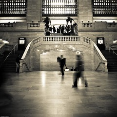 (Rodrigo Daguerre) Tags: nyc newyorkcity people stairs gates manhattan 42ndst midtown trainstation grandcentral lightroom beauxartsarchitecture reedstem