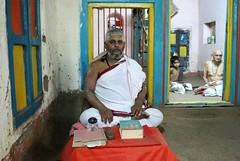 Shri Govind Shastri - Satara (Shrimaitreya) Tags: school india student indian maharashtra hindu hinduism veda sacrifice shri brahmin vedic brahman agni chatra shastra brahmanism vedashala vidyarthi vaidika