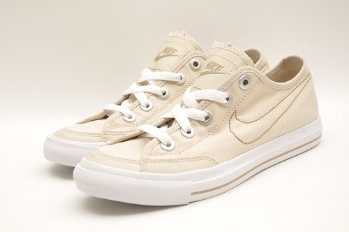 Womens Nike Canvas Go