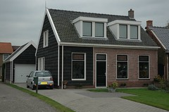 a rebuilded old house (trekamerikalover) Tags: hometown dutchhouses autumnfolliage
