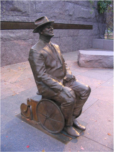 statue - fdr in wheelchair - v2 - at 80p