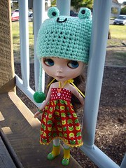 Judith at the park... (myookat) Tags: do superior blythe limited exclusive froggy toysrus td sbl tweedly