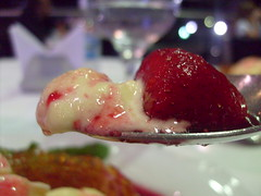 Strawberry's worshippers (.lucy) Tags: food macro dessert yummy colours sweet strawberries delicious taste sobremesa caramelo internationalfood internationafood