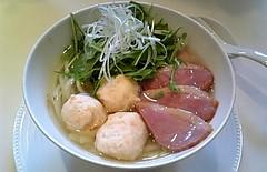 自家製鴨の燻製と海老だんごスープそば(一本麺)