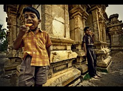 Children of God (rAmmoRRison) Tags: india heritage children bangalore wideangle 1020mm begur 10mm bengaluru rammorrison canon40d bws16march08begur indiawideangle india10mm familygetty2010