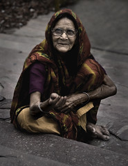 Tough Times (HK Buckeye) Tags: poverty portrait woman india photoshop delhi beggar draganizer nikond80 aplusphoto hkpcjuly2008 hkpcshowcase