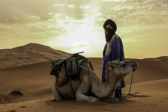 Merzouga Warrior (Thomas Maluck Foto/Film) Tags: sahara merzouga morocco africa camel dromeda sand desert tuareg nomad sunrise sunset tribe travel adventure thomas maluck