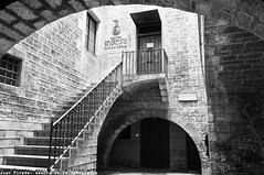 Stoping The Time in Barcelona (j66pineda) Tags: barcelona largaexposicion bn blackwhite medieval mediterranean oldtown cascantic cascoantiguo catalunya cataluña catalonia catalogne ruby5