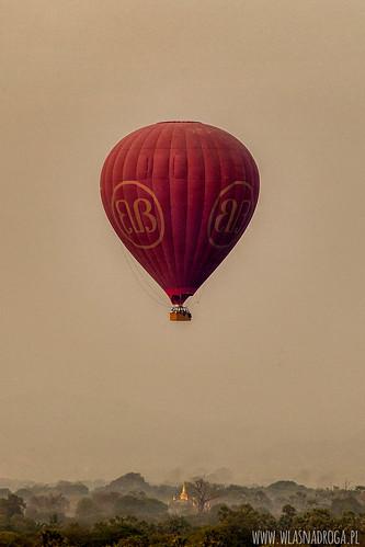 Poranny lot balonem