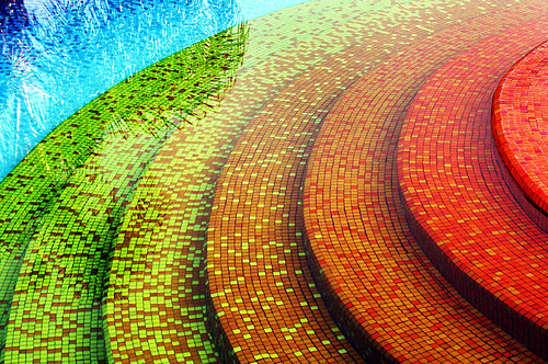 Baños Gresite Amarillo:Rainbow Mosaic Tile Swimming Pool