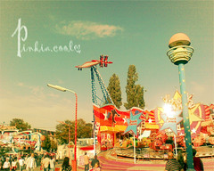 """нσpє tнє lifє נυѕт """"   p  l  a  у  ι  и  g   """" (D o 7 ε) Tags: vienna playing fun games brater"""