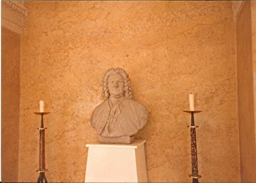 Bach Bust in Köthen.jpg